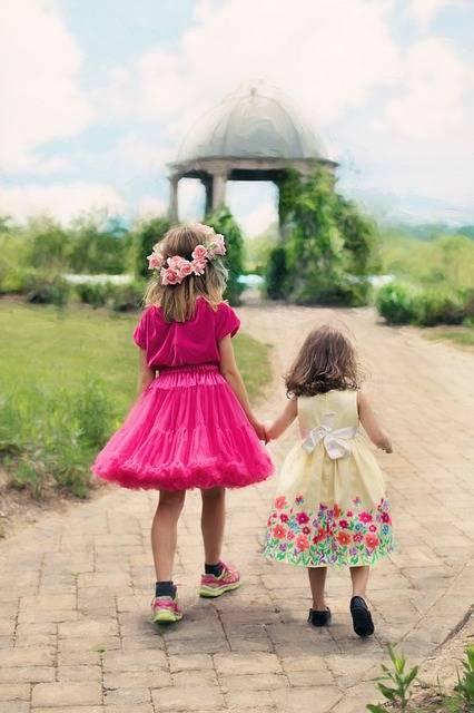 Free photo: Little Girls Walking, Summer - Free Image on Pixabay - 773024 (11148)