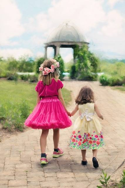 Free photo: Little Girls Walking, Summer - Free Image on Pixabay - 773024 (11148)