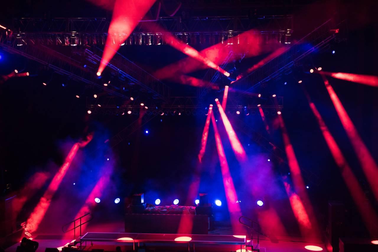 嵐・乃木坂46・IZ*ONEら出演「FNSうたの夏まつり」タイムテーブル発表