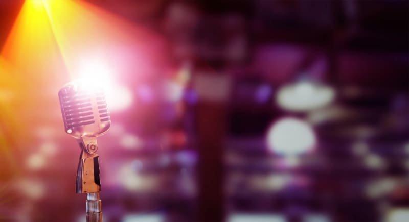 亀梨和也がライブのソロ演出でファンの入籍をサプライズでお祝い