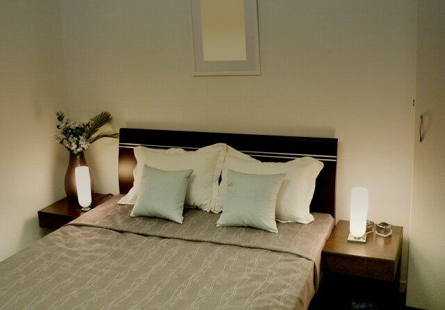 Snow Man目黒蓮&ラウール、ホテルの枕でキスの練習「枕にめっちゃキスして…」