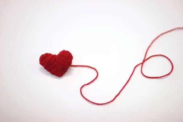 赤い毛糸のハート|写真素材なら「写真AC」無料(フリー)ダウンロードOK (1101)