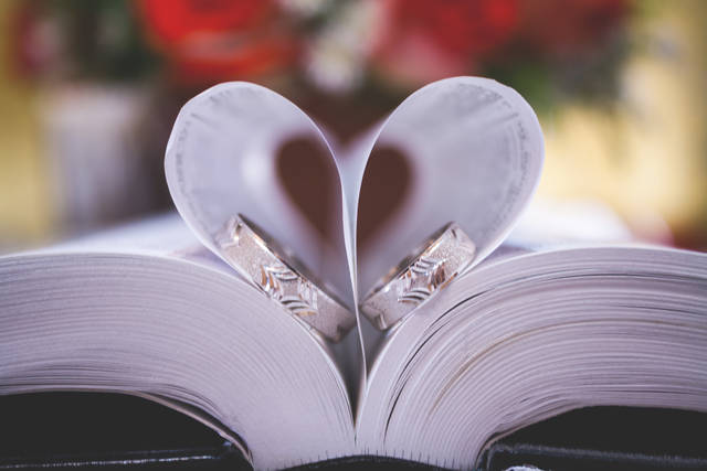 Free image of book, bible, wedding - StockSnap.io (1672)