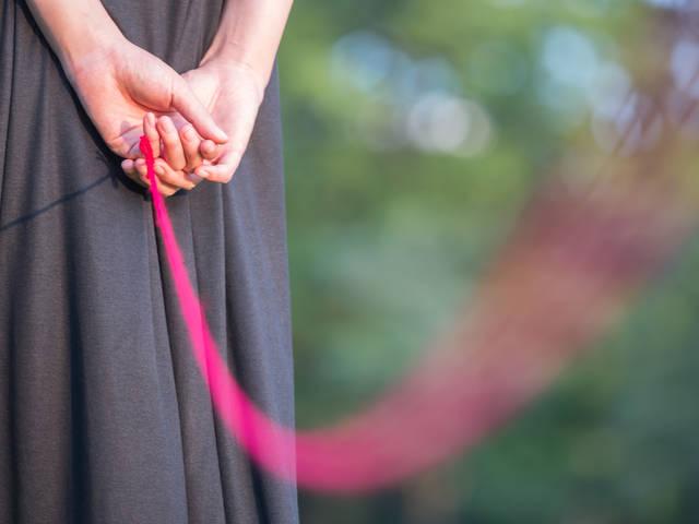 私と赤い糸で繋がれています|フリー写真素材・無料ダウンロード-ぱくたそ (2874)