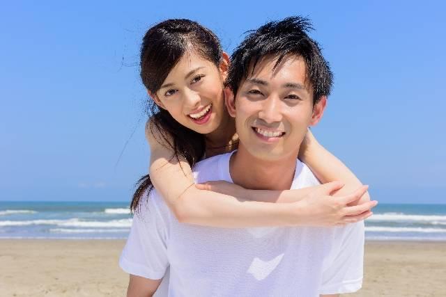 仲良しカップル|写真素材なら「写真AC」無料(フリー)ダウンロードOK (4093)
