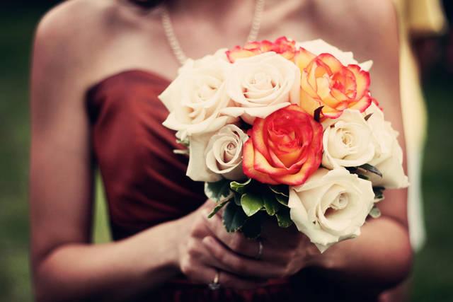 [フリー写真] 花嫁が持っているブーケでアハ体験 -  GAHAG | 著作権フリー写真・イラスト素材集 (4911)