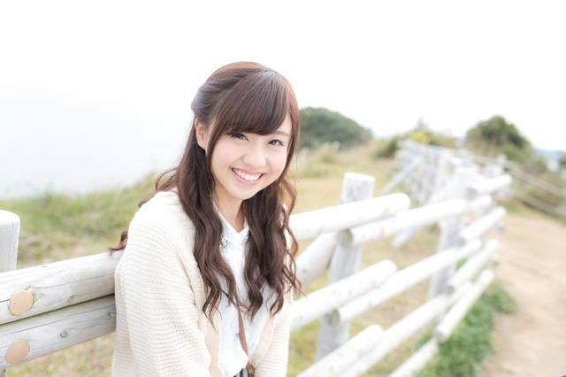 笑顔が眩しい女性モデル|フリー写真素材・無料ダウンロード-ぱくたそ (5344)