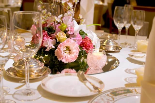 結婚式・ウェディングのテーブルセット|フリー写真素材・無料ダウンロード-ぱくたそ (5568)
