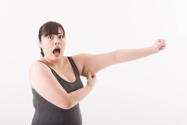 二の腕を触る女性6|写真素材なら「写真AC」無料(フリー)ダウンロードOK (5826)