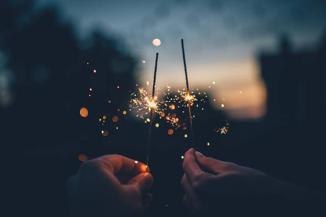 Free image of sparks, lights, hands - StockSnap.io (6674)