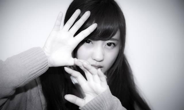 スクープを撮られる女子校生|フリー写真素材・無料ダウンロード-ぱくたそ (7112)