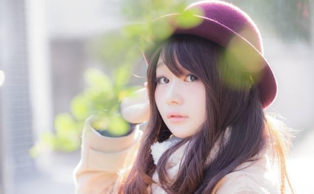 見返り美女|フリー写真素材・無料ダウンロード-ぱくたそ (7171)