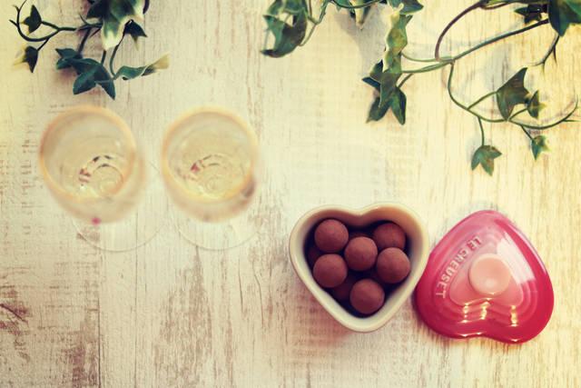 シャンパンとトリュフのフリー写真画像|GIRLY DROP (7184)