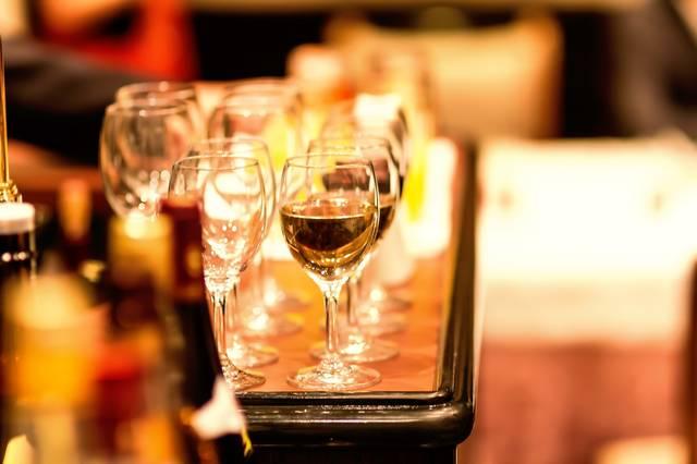 飲み物が並ぶ|フリー写真素材・無料ダウンロード-ぱくたそ (7738)