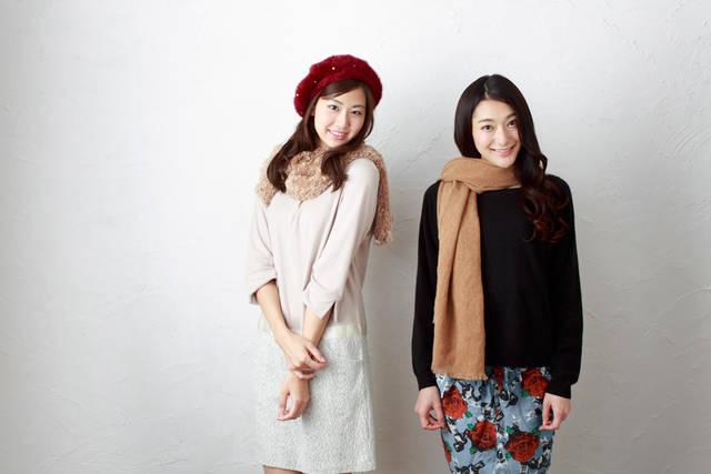 [フリー写真] 冬のファッションに身を包む二人の女性でアハ体験 -  GAHAG | 著作権フリー写真・イラスト素材集 (8902)