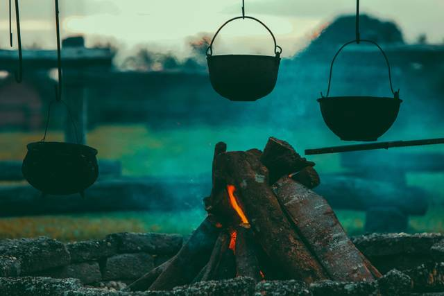 Free image of kettle, fire, firewood - StockSnap.io (10236)