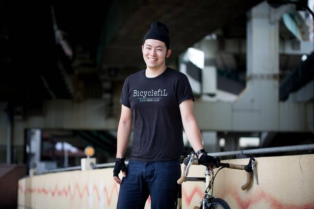 高架下でひとやすみ(ロードバイク)|フリー写真素材・無料ダウンロード-ぱくたそ (11552)