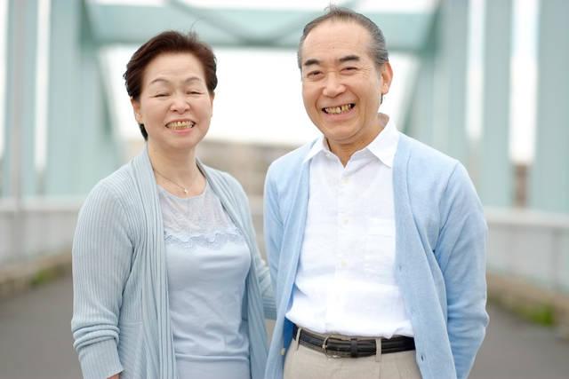 [フリー写真] 笑顔の老夫婦でアハ体験 -  GAHAG | 著作権フリー写真・イラスト素材集 (12347)
