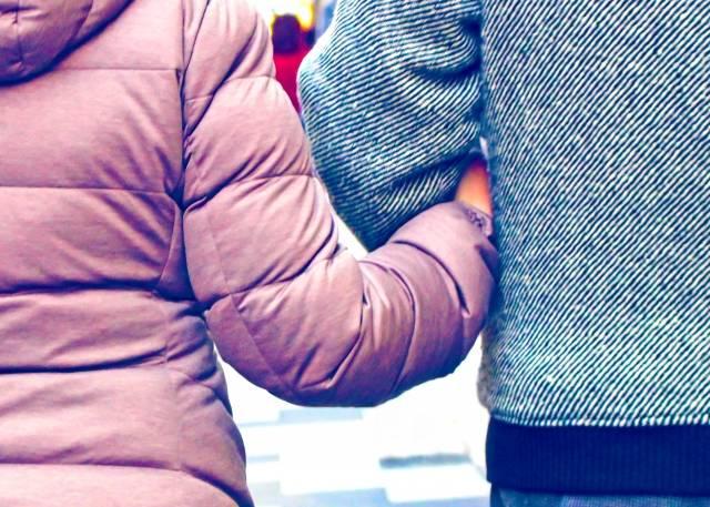 腕を組む夫婦|写真素材なら「写真AC」無料(フリー)ダウンロードOK (14542)