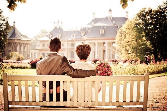 Free photo: Couple, Bride, Love, Wedding, Bench - Free Image on Pixabay - 260899 (2437)