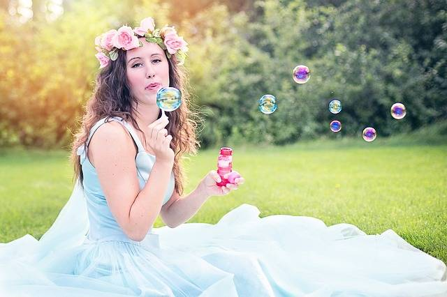 Free photo: Woman, Blowing Bubbles, Young - Free Image on Pixabay - 609252 (6206)
