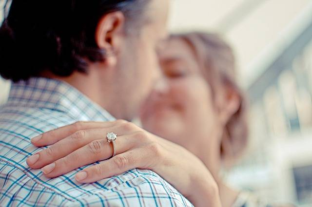 Free photo: Couple, Engagement, Ring, Diamond - Free Image on Pixabay - 802058 (7607)