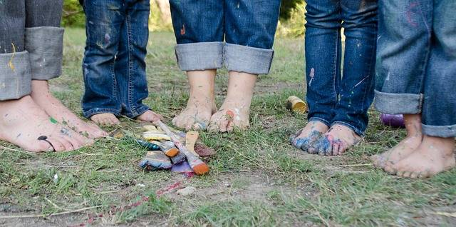 Free photo: Family, Family Pictures, Feet, Kids - Free Image on Pixabay - 1839662 (10175)