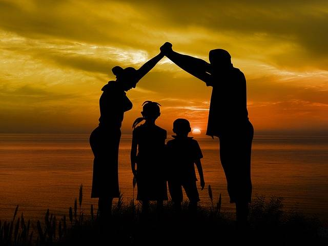 Free illustration: Family, Children, Father, Mother - Free Image on Pixabay - 1466262 (17219)