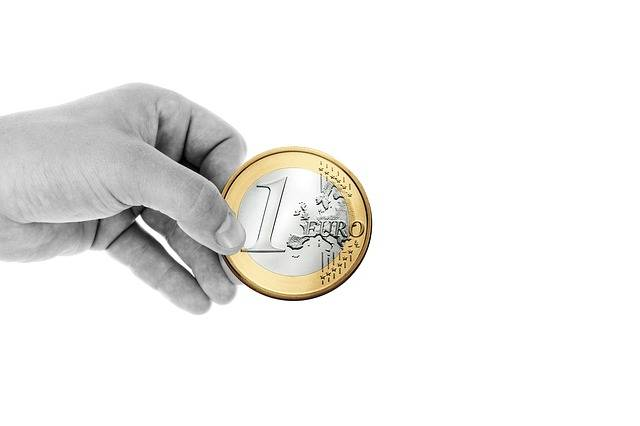 Free photo: Hand, Keep, Finger, Euro, Coin - Free Image on Pixabay - 517114 (1913)