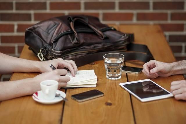 普段からの付き合い、時には会って話すことも必要
