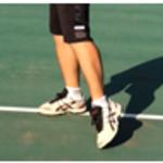 テニスシューズの選び方とは?正しいシューズ選びの4のポイント【テニスコーチ監修】