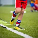 ラダーを使ったサッカーのトレーニングメニュー8選!瞬発力を鍛える練習方法