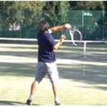 テニスのストロークとは?安定する打ち方のフォームの基本とコツ【テニスコーチ監修】