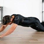 腹筋ローラーで胸筋に効かせる方法とは?効率よく鍛えよう