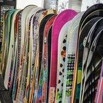 スノーボード板の選び方とは?自分に合った種類やサイズ・長さ