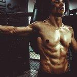 大胸筋の内側の鍛え方5選!内側に効くおすすめトレーニングとは?