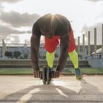 腹筋ローラーの下腹部の鍛え方とは?下腹への効かせ方を解説