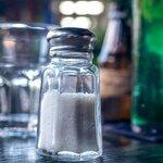 塩はダイエット中でも摂ってもいいの?塩抜きのおすすめレシピを解説