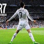サッカー選手のかっこいいポスター20選!雑誌や大会・試合のポスターを紹介