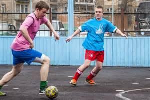 ドリブルは個人技ではない!サッカーで大切なドリブルの基礎と練習方法 | Levelop Magazine - レベロップマガジン (4492)