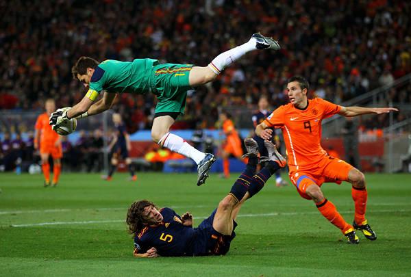 """[南アフリカW杯/決勝:オランダvs.スペイン] """"万年優勝候補""""の汚名返上。勝負強さを身につけたスペインが悲願のW杯初優勝!(3/10) - フォトギャラリー - Number Web - ナンバー (6933)"""
