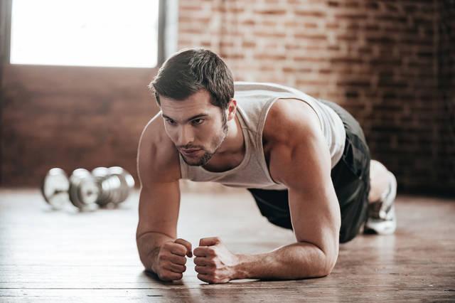 自重の体幹トレーニング。効果的に上半身を鍛える22の筋トレ方法 | Smartlog (11601)