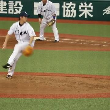 """kuroneko on Instagram: """"多和田くんのランナー有りの投球モーション 個人的には今年本当に右のエースとしての活躍を期待してたσ(^_^;) ただ、最近の投球を見ていて来年は必ずそれが出来ると思うだけの投球を見せてくれてる☆*:.。. o(≧▽≦)o .。.:*☆ やっぱり多和田くんが右のエースにならないと…"""" (36480)"""