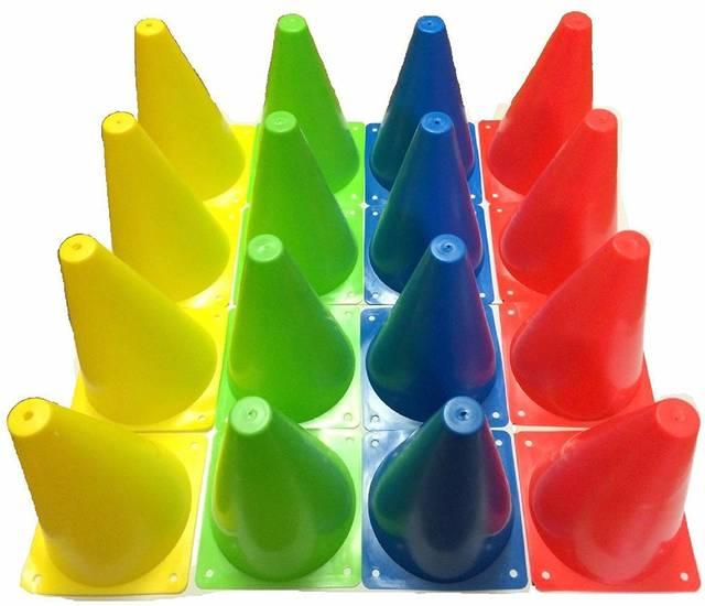 Amazon | カラー 三角 コーン 18cm ミニ 4色 16本セット | Raystan (レイスタン) | マーカーコーン (65630)