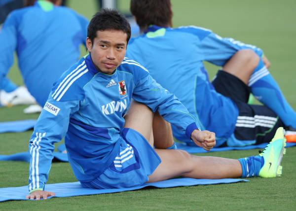 サッカー日本代表ベトナム戦へ・ストレッチする日本…:ザックジャパン 写真特集:時事ドットコム (96715)