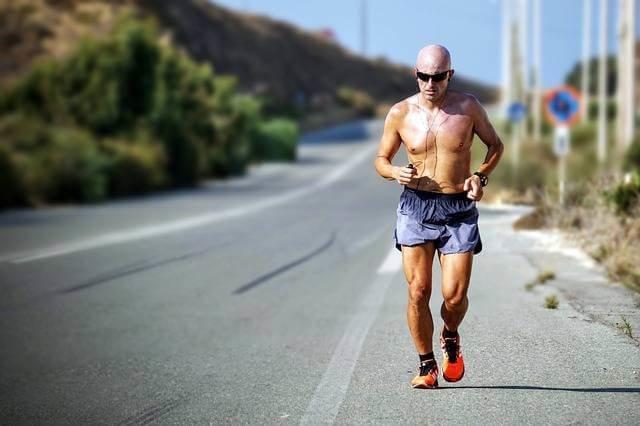 ジョギングは毎日すると生活習慣病を予防する (99284)