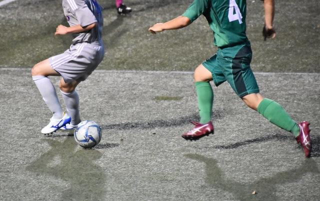 サッカーで背番号4番をつける選手とは? (99553)