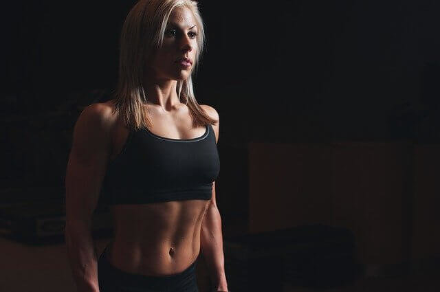 大胸筋の筋トレはバストアップに効果絶大! (100671)