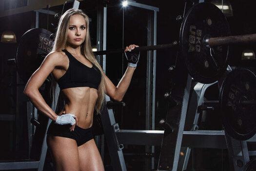 インクラインダンベルプレスは女性のバストアップ効果・肩こり解消 (103234)