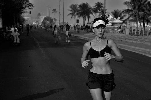 ジョギングでは上半身を意識する (103290)